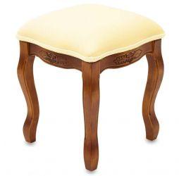 Barevná dubová stolička